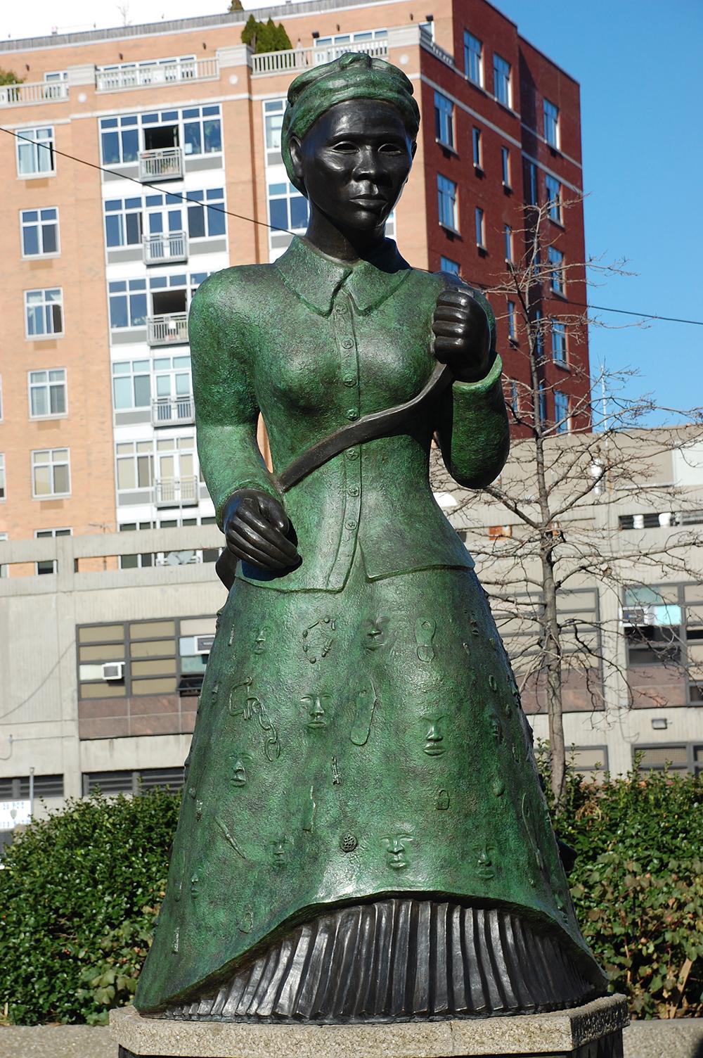 Элисон Саар. Памятник Гарриет Табмен.