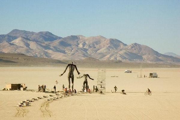 Арт-фестиваль Burning Man в центре пустыни Невада