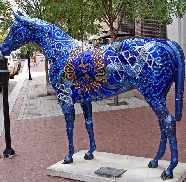 синяя лошадь-2