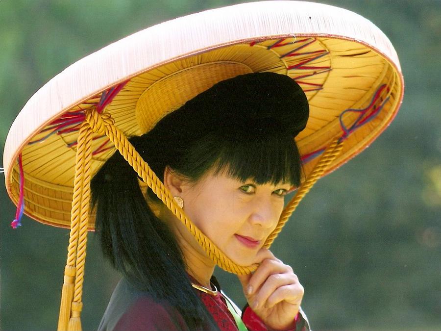 Вьетнамская шляпа