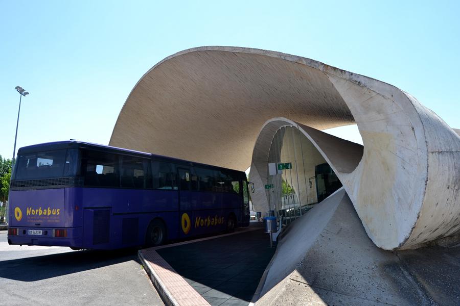 unusual_bus_stop