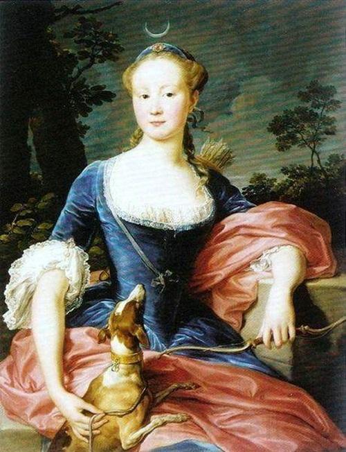 Дама в образе Дианы охотницы.