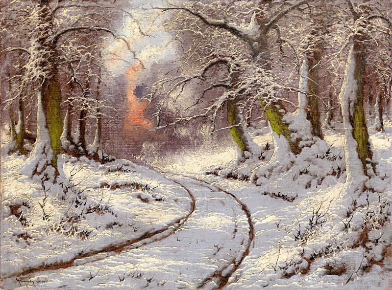 Дорога в зимнем лесу на закате.
