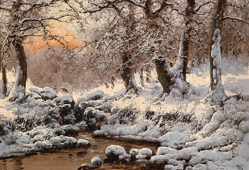 Зимний речной пейзаж в вечернем свете.