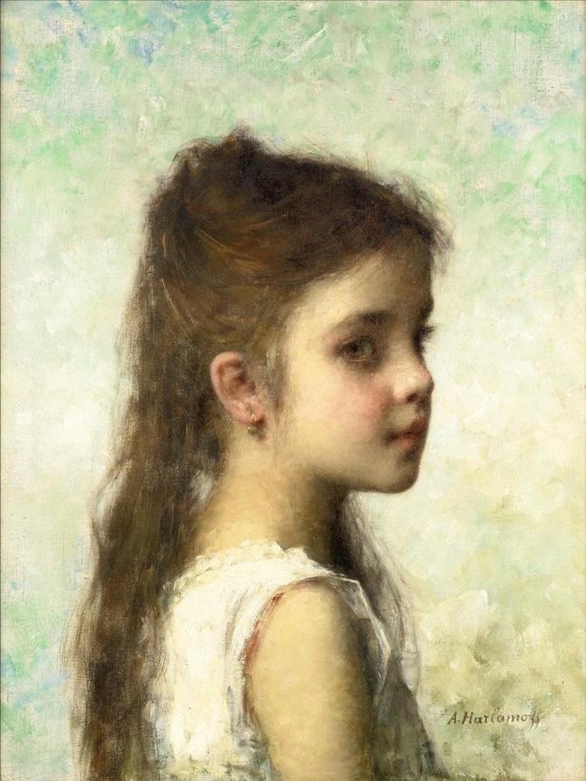 Девочка на голубом фоне