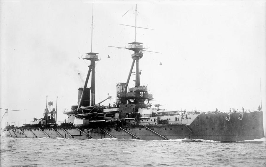 1280px-HMS_Bellerophon_LOC_ggbain_16725