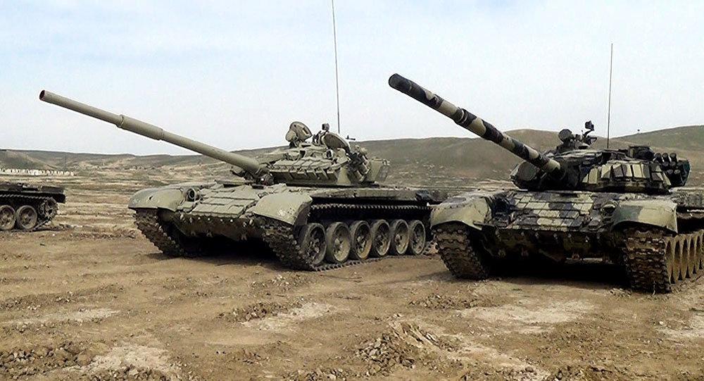 Азербайджанские танки Т-72. Тоже картинка для вдохновения.