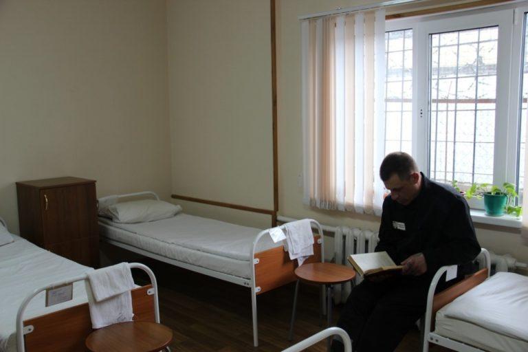 Беспечным ковидиотам: ведущий Хрусталёв в реанимации ужасной больницы