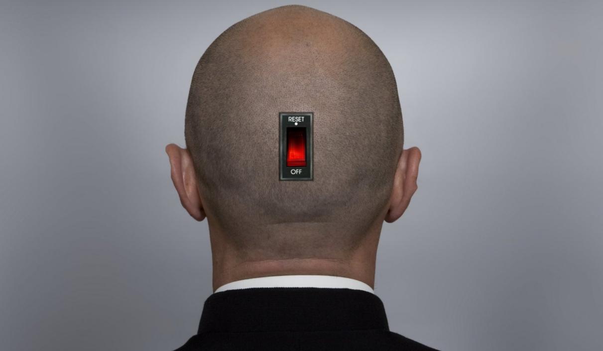 Как думаете, можно ли человека выключить, если у него есть такой чип, или перезагрузить?!