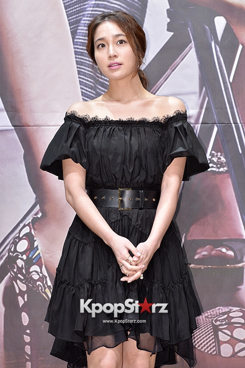 lee-min-jung-attends-the-press-conference-for-mbc-drama-cunning-single-lady