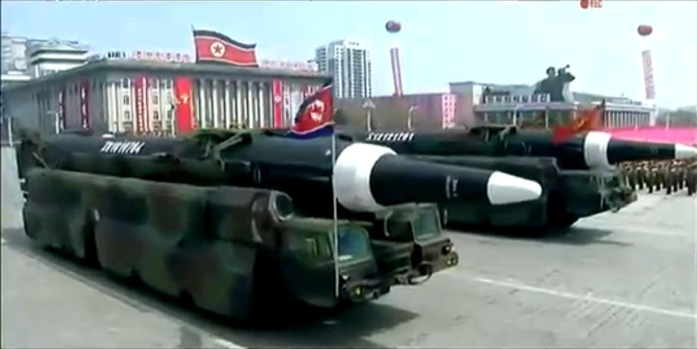 Военный парад в Пхеньяне. 15.04.2017 18