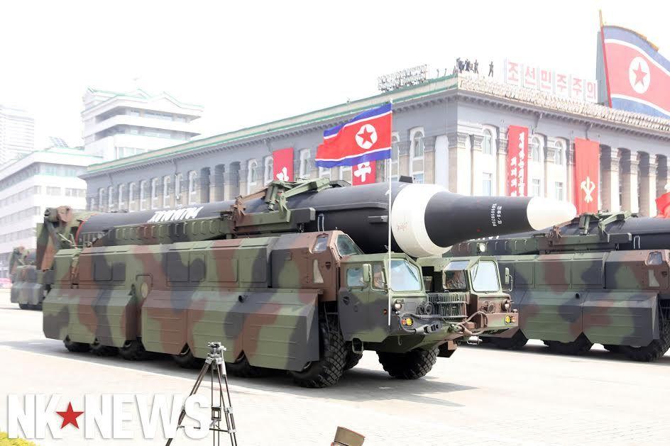 Военный парад в Пхеньяне. 15.04.2017 C9bwQg-VoAAc7op