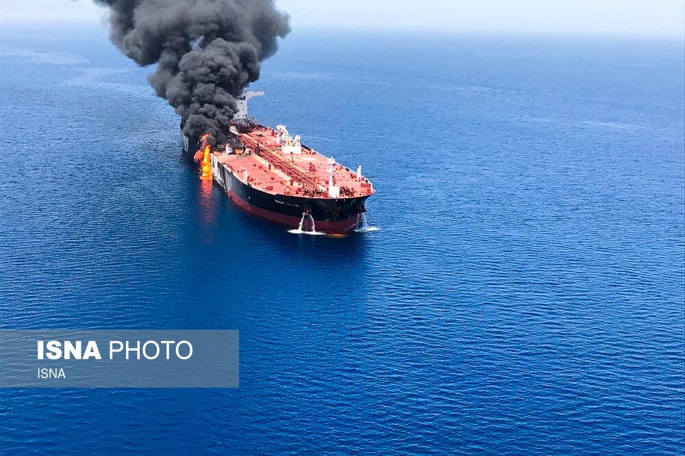 В Оманском заливе подорвано еще два танкера
