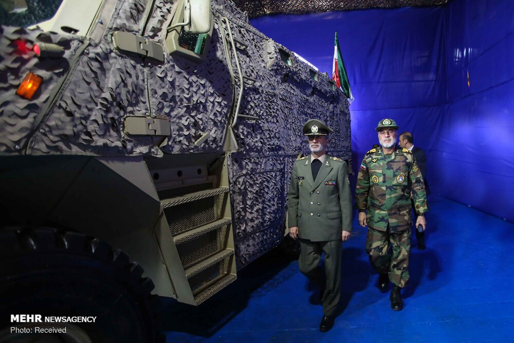 Новые иранские армейский внедорожник Aras 2 и бронированная машина Raad класса MRAP может, заметил, бронемашина, бронемашины, также, Хатами, районах, повышенной, Ирана, церемонии, защитой, противоминной, обладает, экономией, ловушки, уличных, войне, асимметрической, применяться, минобороны