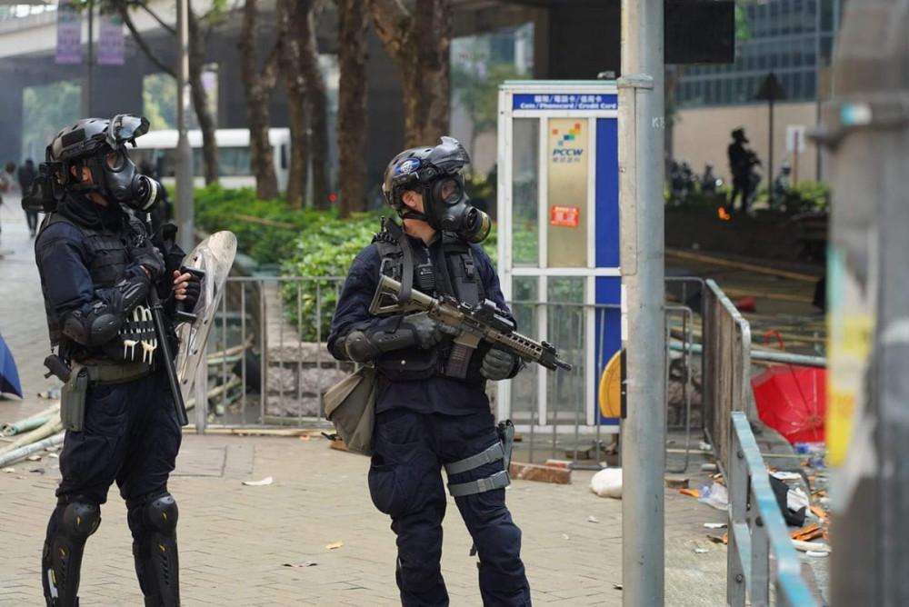 L'altra faccia della medaglia della rivolta pacifica di Hong Kong 17