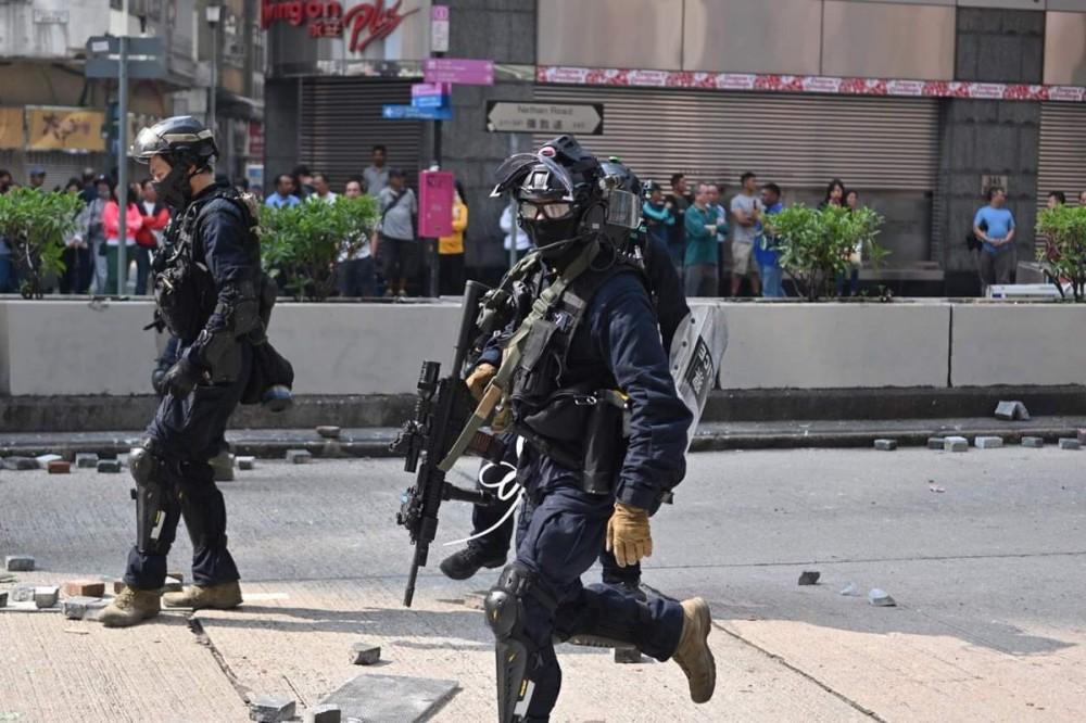 L'altra faccia della medaglia della rivolta pacifica di Hong Kong 18