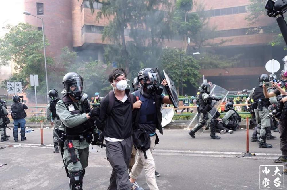 L'altra faccia della medaglia della rivolta pacifica di Hong Kong 20