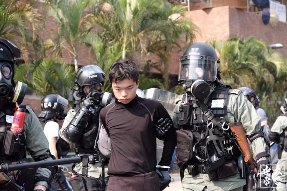L'altra faccia della medaglia della rivolta pacifica di Hong Kong 23