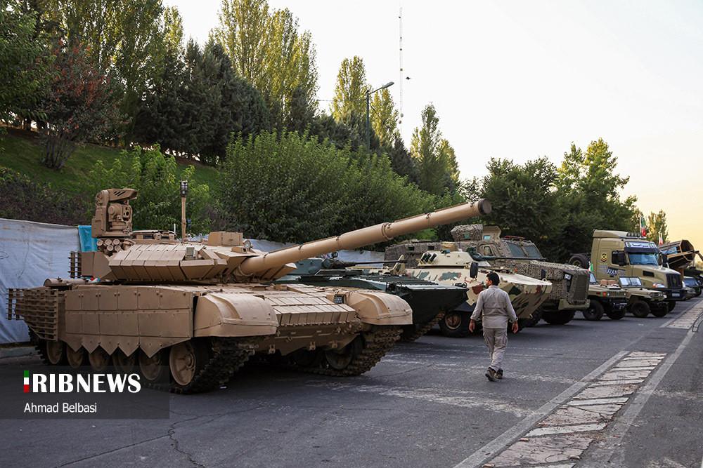 Выставка техники в музее Священной обороны в Тегеране