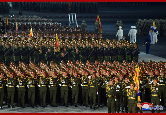Парад в Пхеньяне в честь 75-летия Трудовой партии Кореи