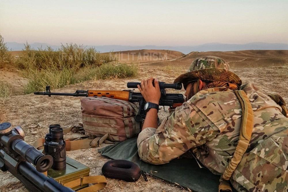 Военнослужащие 25-й дивизии КСИР Кербела на стрельбах