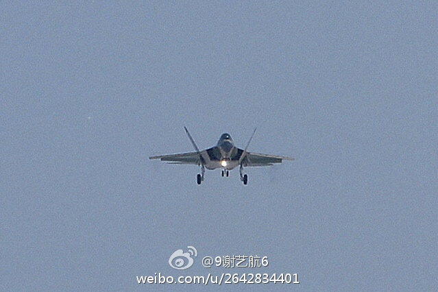 Shenyang J-31 Stealth Fighter - Page 3 927562_1000