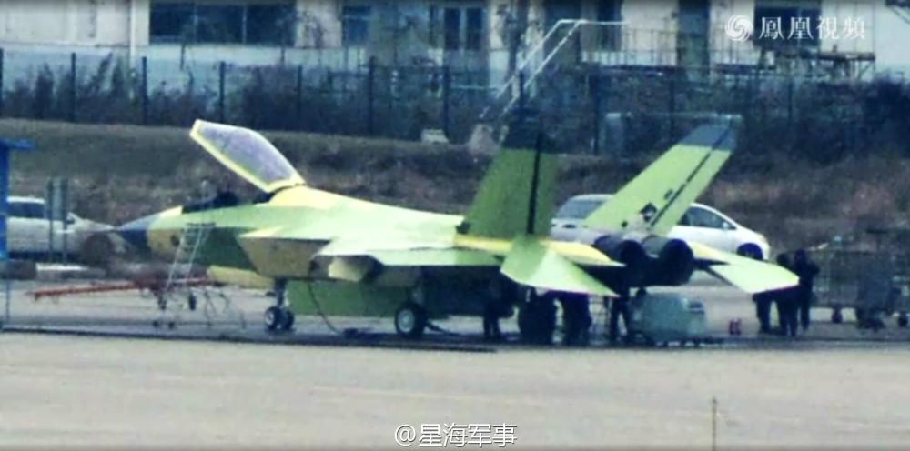 Shenyang J-31 Stealth Fighter - Page 3 928246_1000
