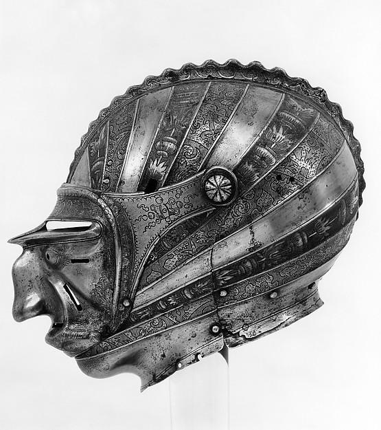 Рыцарский шлем королей.