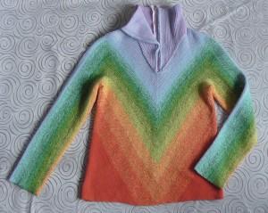 свитер готов но без змейки.jpg
