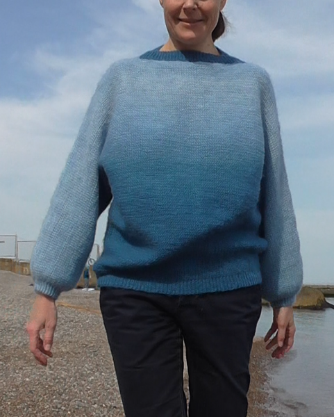 свитер море 4.png