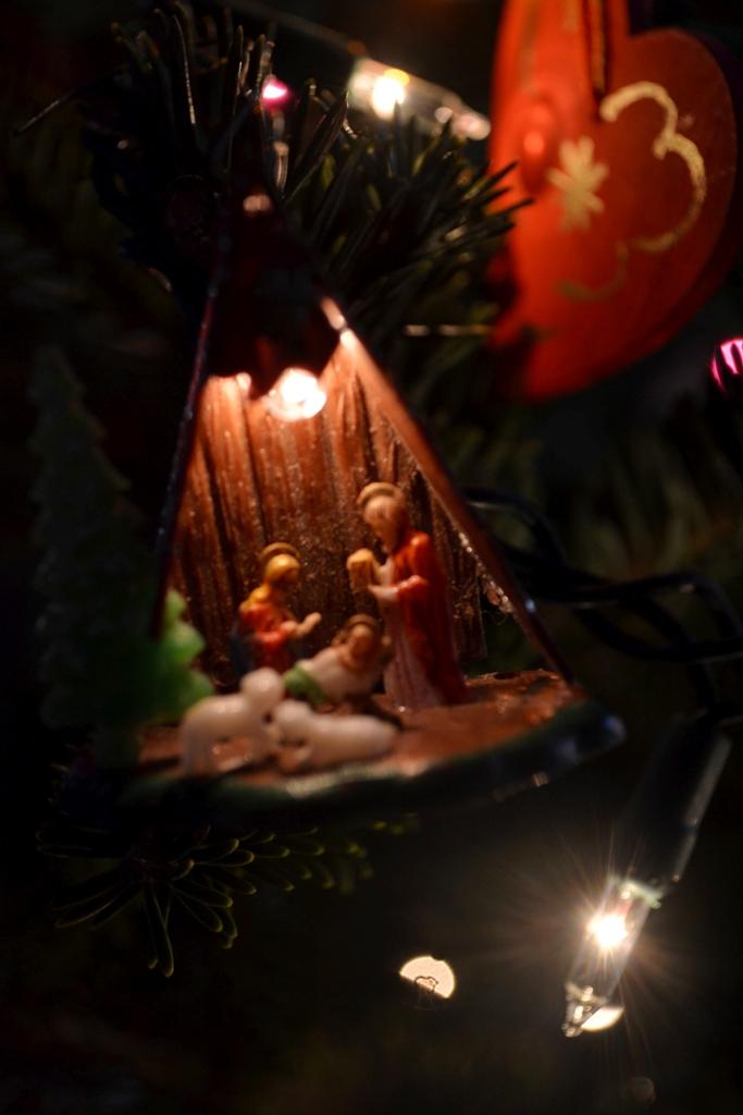 Tiny Nativity