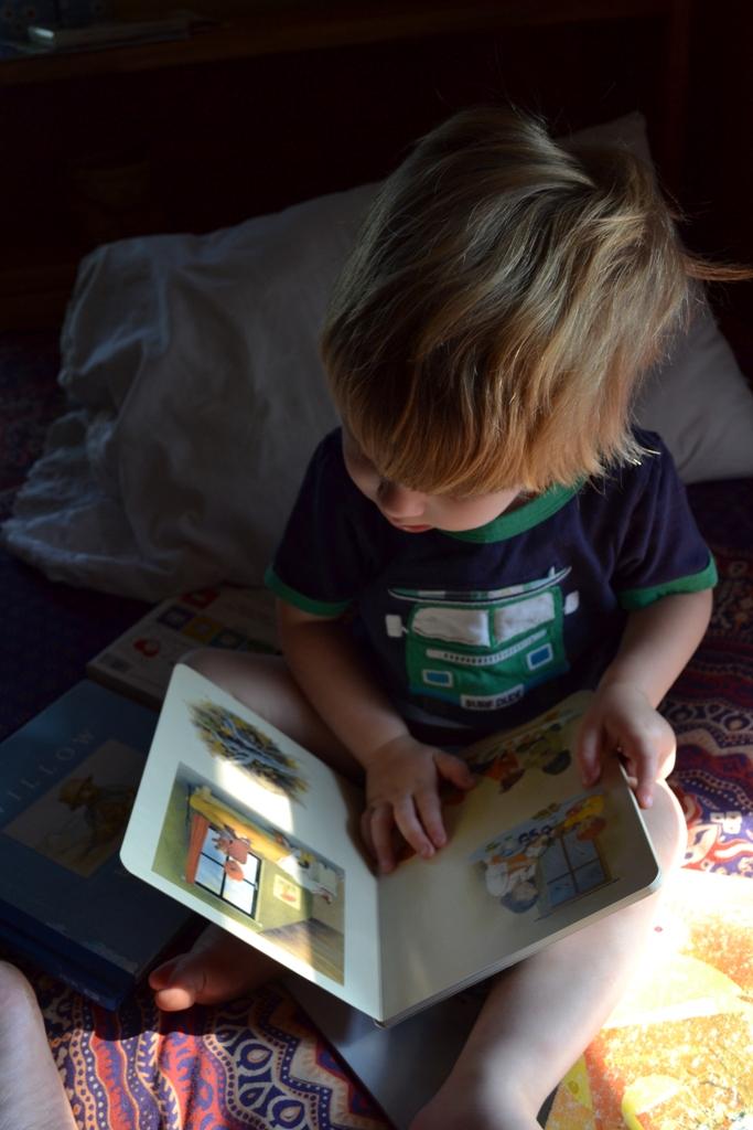 Roan reads