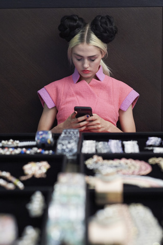 chanel-making-of-press-kit-cruise-collection-2015-16-01.jpg
