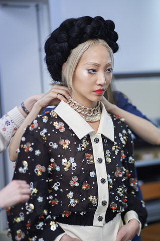chanel-making-of-press-kit-cruise-collection-2015-16-04.jpg
