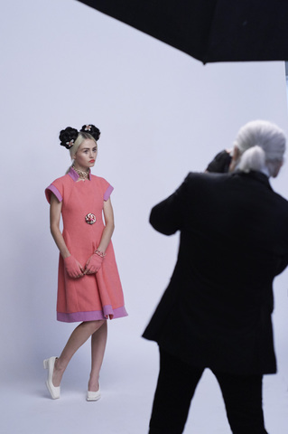 chanel-making-of-press-kit-cruise-collection-2015-16-08.jpg
