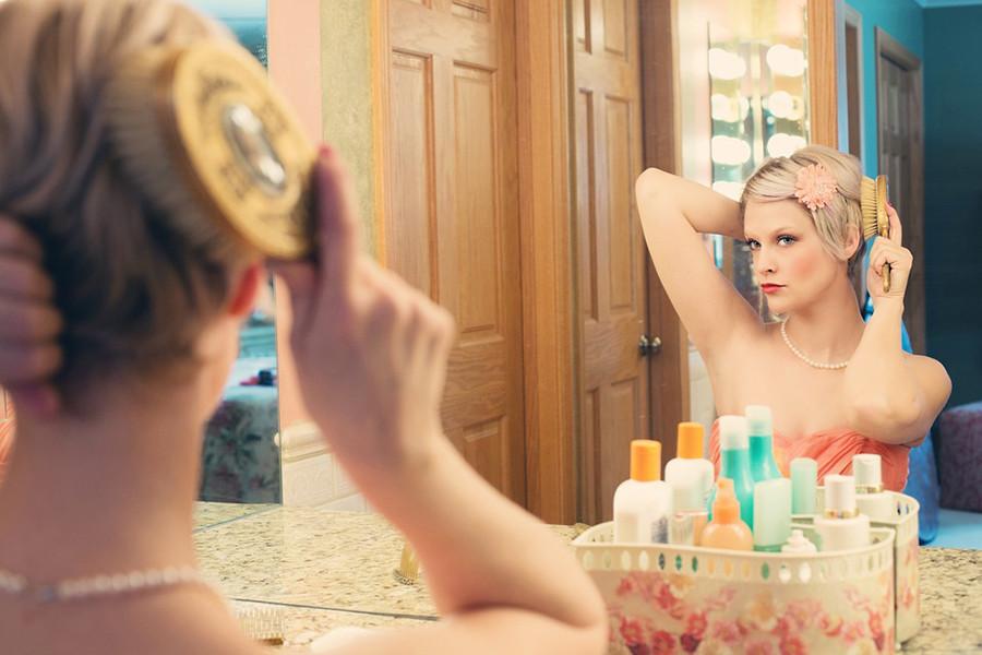Два часа у зеркала, или почему мы часто опаздываем на работу?