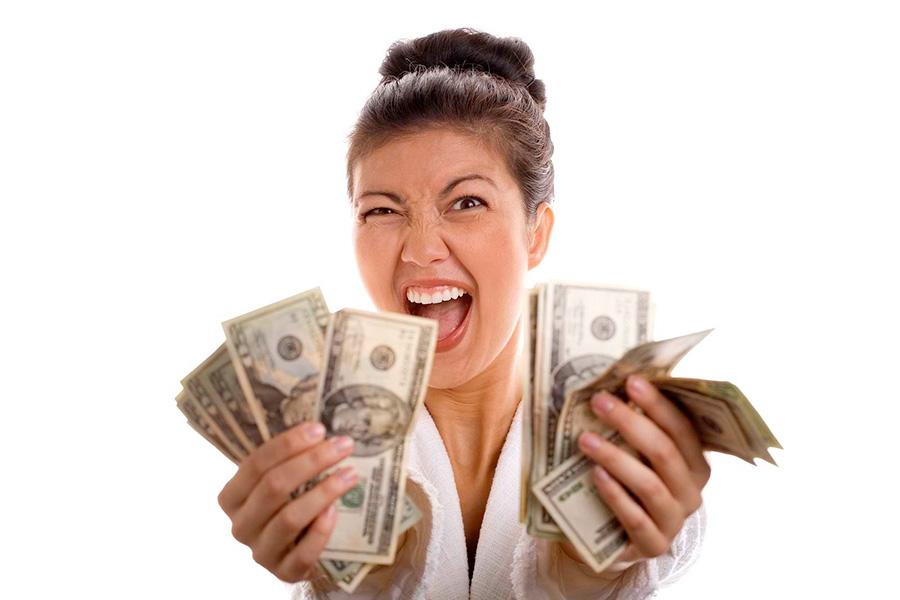 Мать забрала все подаренные деньги
