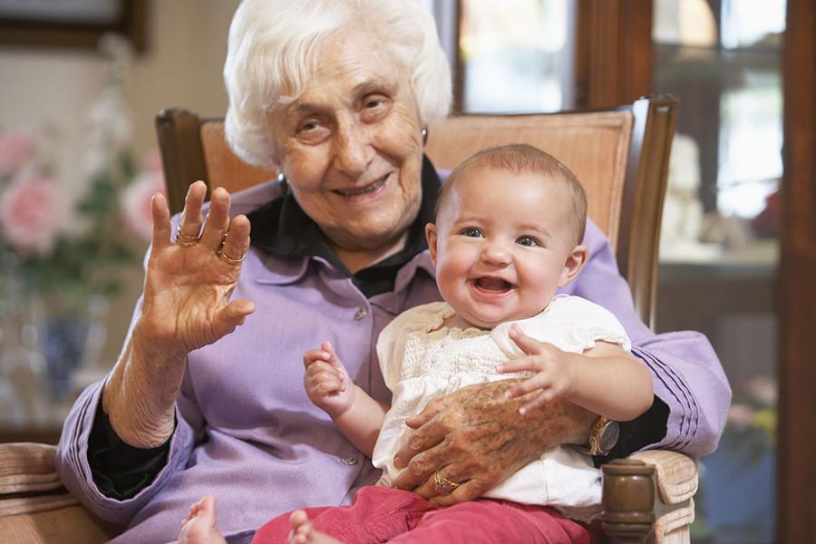 Решила посидеть с внучкой и сто раз пожалела