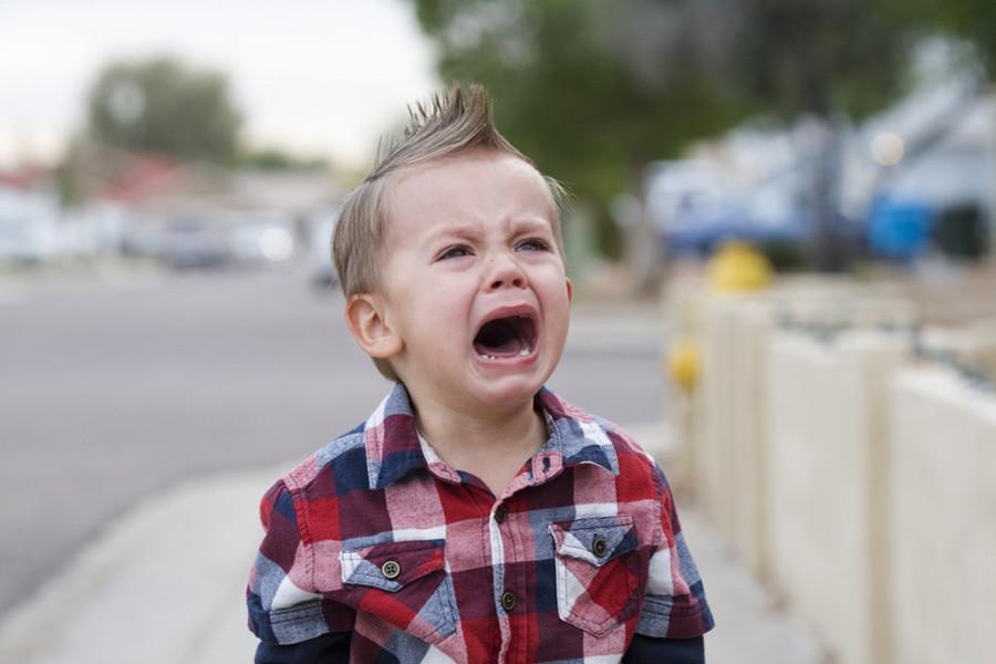 Женщина довела до слёз чужого ребёнка