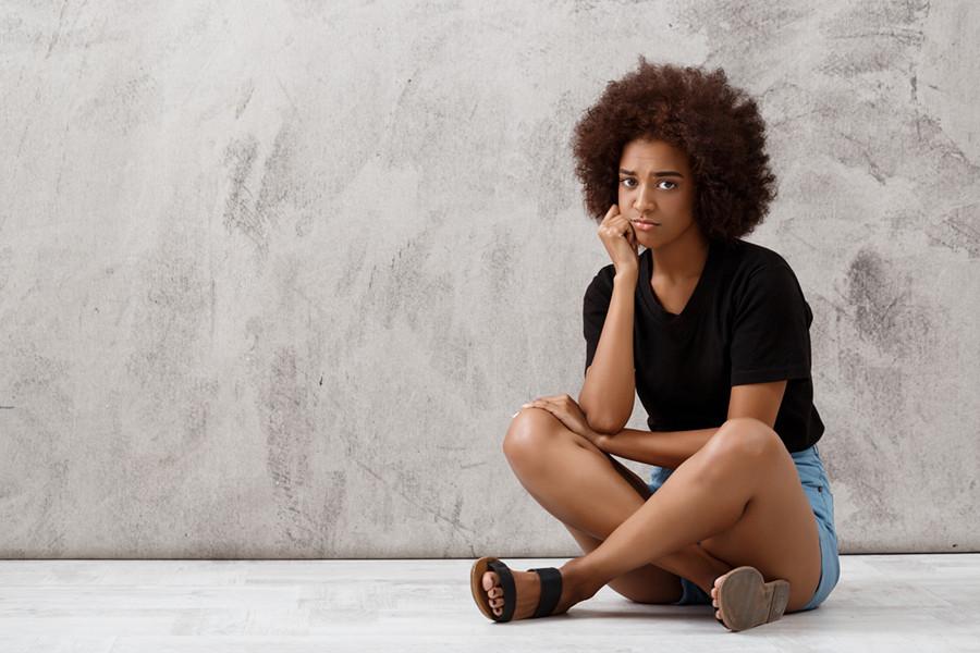 5 привычек, которыми женщины сами себя обесценивают