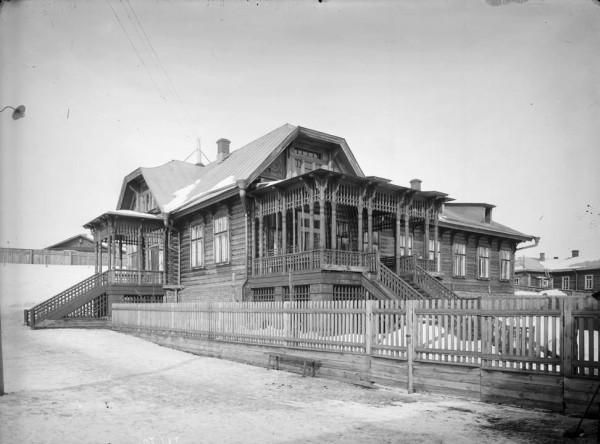 Сормово. 1906 год. Общий вид жилого дома старшего врача завода.