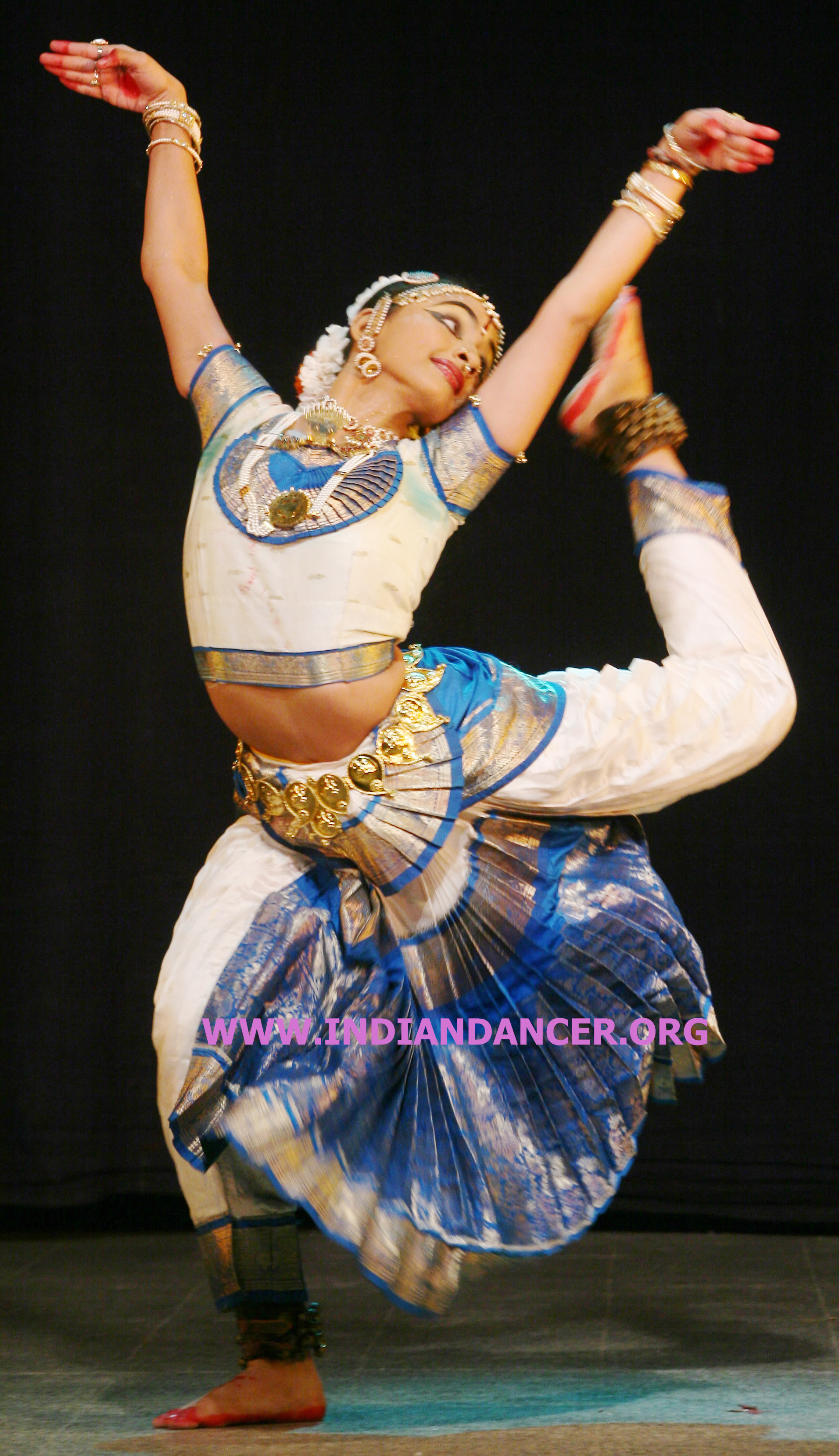 bharatanatyam poses - photo #27