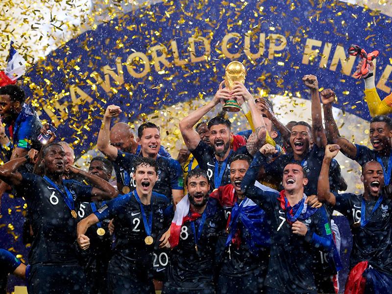 франция чемпионат мира 2018 победа в финале на пъедестале