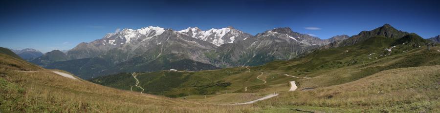 Panorama_sur_le_massif_du_Mont_Blanc