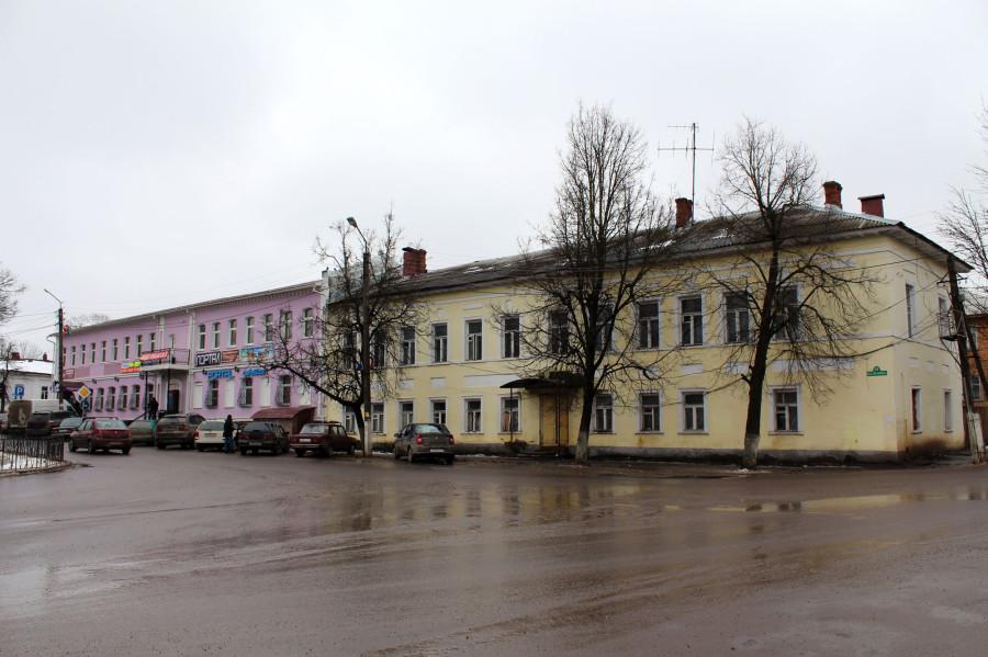 Пл Ленина 5
