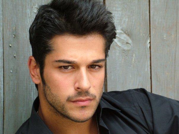 Burak-z-ivit-Turkish-actor-hottest-actors-26372080-604-453