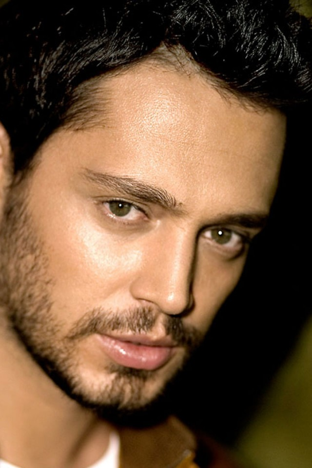 murat_boz_face_look_shadow_light_12457_640x960