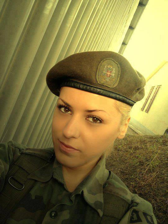 Красивые фотографии девушек в униформе фото 319-200