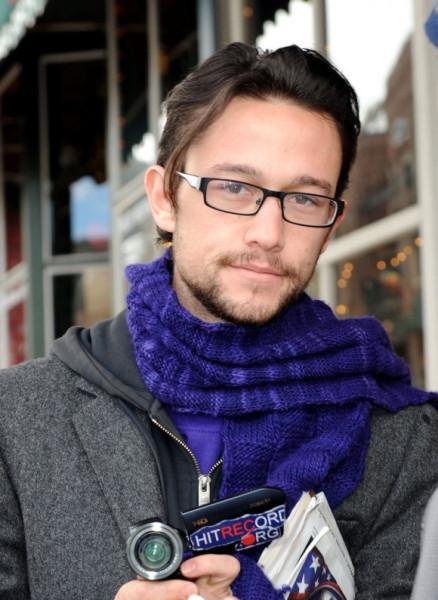 joseph-gordon-levitt-glasses-580x794