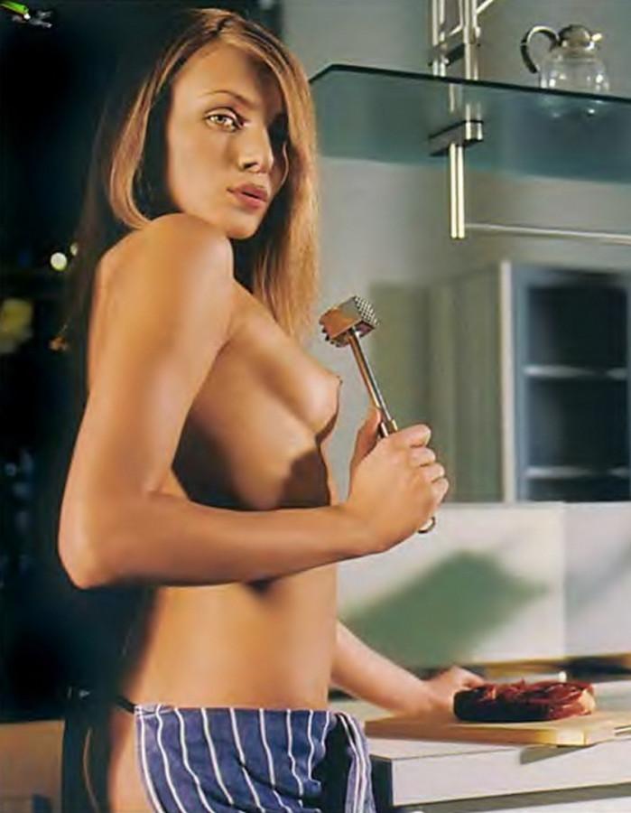Playboy_05-2002_Russia_Scanof.net_036